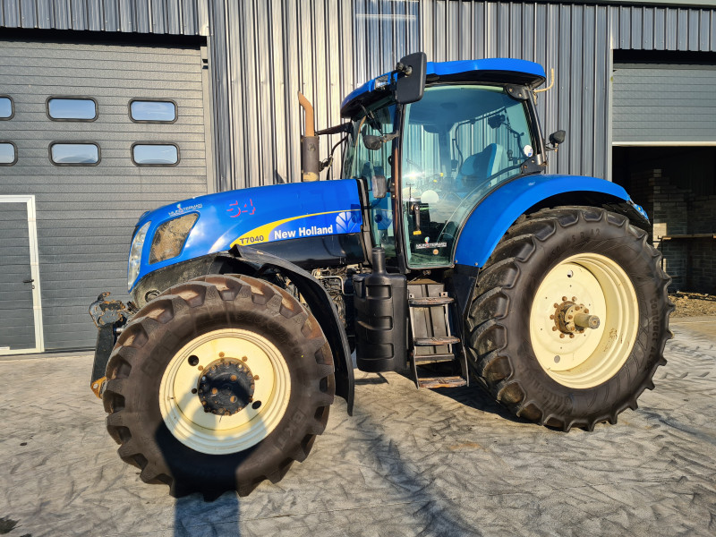 2009 New Holland T7040