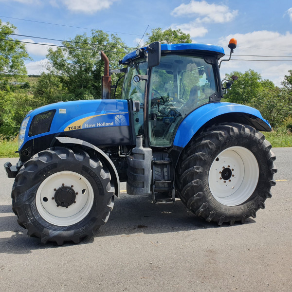 2011 New Holland T6030