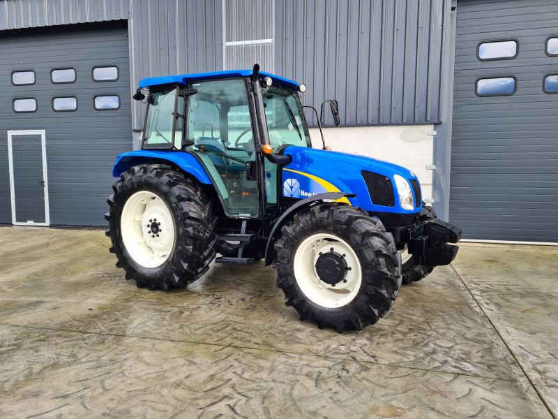 2014 New Holland T5050
